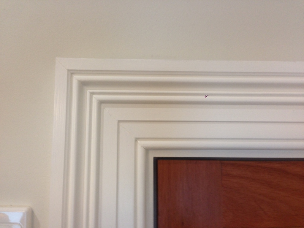 Carpenters architraves and skirting installation melbourne for Door architrave